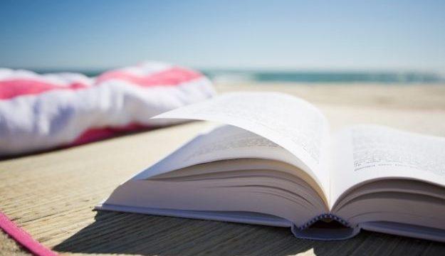 Storie per ragazzi in inglese: 5 libri teen per l'estate
